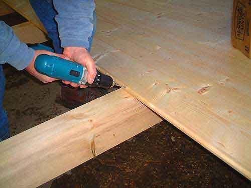 Installing Flooring   Log Cabin Kit Pictures